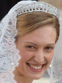"""Tiara Mania: Diamond Bandeau Tiara worn by Elisabetta Maria """"Lili"""" Rosbach von Wolkenstein"""