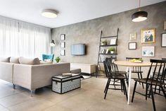 Apartamento POP Contemporâneo em Israel por Dana Shaked - Decoração POP - Apartamento Colorido - Decoração Colorida - Decoração Contemporânea - Estilo Contemporâneo - Contemporary Style - Apartamento Jovem - Apartamento Contemporâneo - Decoração de Sala de Estar - Sala de Estar Decorada - Cimento Queimado - Sofá Cinza - Poltrona Azul - Almofadas Coloridas - Sala de TV - Sala de Estar - Mesa de Jantar - Cadeira Saint - Cozinha Integrada - Sala Integrada - #BlogDecostore