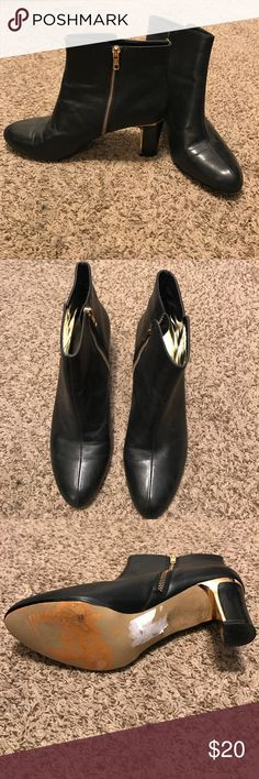 Anne Klein Booties Anne Klein black & gold boot booties. Size 10. Have been worn & can see signs on wear on the bottom but still have lots of life left. They are comfortable & the soles are not worn down yet. Anne Klein Shoes Ankle Boots & Booties