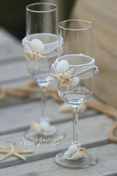 Sea inspired champagne glasses, beach toasting glasses, seashell wedding flutes
