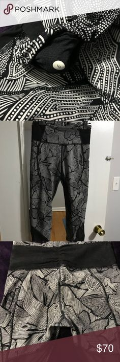 Lululemon size 6, 7/8 with leg pockets and mesh Awesome mesh and funky black and white patterned 7/8 lululemon tights. Leg side pockets and inner key pockets. No pilling. In great shape. Worn about a dozen times but I've changed size :( lululemon athletica Pants Leggings