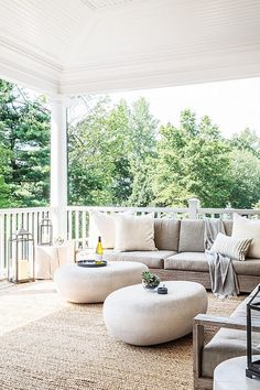 Gorgeous ! Victorian Meets Modern Outdoor Living Space ! The Zush