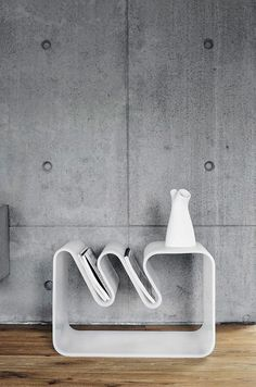 Wave table in white | table . Tisch | Design: BEdesign |