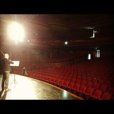 Ensayo del violinista Joan Plana antes del concierto. En el Gran Teatro de Ningbo, Zhejiang.