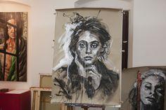 portrait acryl und kreide auf packpapier 2015, ca. 130 x 100 cm Lion Sculpture, Statue, Portrait, Gallery, Brown Paper, Headshot Photography, Roof Rack, Portrait Paintings, Drawings