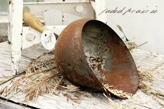 Called a prairie scoop. another thing on my needs list! Note the rusty, aged patina and I missed the handle until I enlarged the pic. Antique Metal, Vintage Metal, Rust In Peace, Vintage Display, Prim Decor, Vintage Tools, Wooden Spoons, Vintage Kitchen, Garden Art
