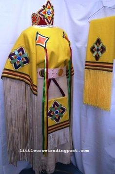 Beautiful Traditional Women's Dress with Accesories. Native American Regalia, Native American Clothing, Powwow Regalia, Scout Mom, Ribbon Shirt, Pow Wow, First Nations, Dance Outfits, Pants For Women