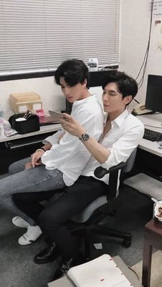 Tharntype the series - Couple Mew Gulf Really Funny, Funny Cute, Jungkook Thighs, Selfies, Cute Apartment, French Boys, Cute Asian Guys, Theory Of Love, Cute Gay Couples