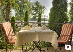 Unser Lokal der Woche: Die Villa Romantica direkt am Olchinger See. Genießen Sie ein Stück Urlaubsstimmung inmitten grüner Natur und Mittelmeerflair verbunden mit gehobener Gastronomie. Ideal für Ihre Hochzeit in idyllischem Ambiente mit traumhaften Ausblick über den Olchinger See.