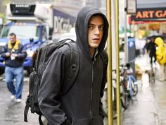 11 details you might have missed in the first Mr. Robot' episode of season 2
