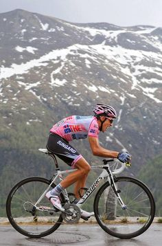 VélO2maX - 2011 Giro d'Italia - Maglia Rosa - A. Contador Contador's 2011 Giro was one of the greatest, if not the greatest sporting performance I've ever seen. It is a point of contention and shame his victory was taken off him.
