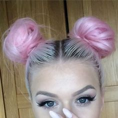 eyeliner, goals, grunge, hair, nails, pink, pink hair, silver, style, tumblr…