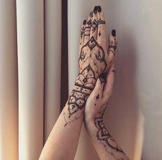 Mehndi Hand Tattoos by Veronica Krasovska
