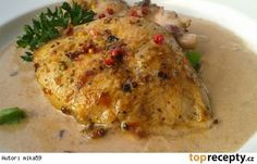 Krůtí medailonky s brusinkovou omáčkou Poultry, Food And Drink, Meat, Chicken, Clothing, Fine Dining, Beef, Outfit, Backyard Chickens