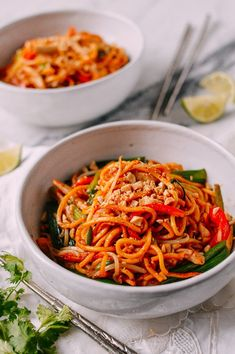These red curry noodles make great use of canned Thai red curry paste, a versatile ingredient that packs a ton of flavor. This quick and easy noodle dish takes only a half hour to prepare. Tofu, Curry Noodles, Egg Noodles, Chicken Noodles, Vegetable Noodles, Thai Noodles, Red Curry Chicken, Wok Of Life, Asian Recipes