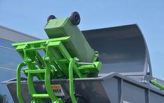 Opróżnianie pojemnika 120 litrów do mikro śmieciarki KVC