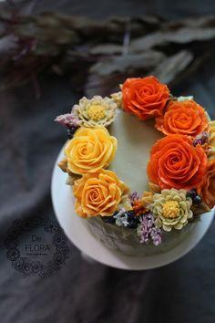 입속의 꽃 디플로라 심화반 이수하신 분들 대상 새로운 장미 파이핑과 교정하시는 시간을 가졌어요. 장미 ...