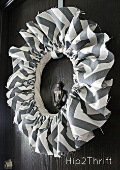Chevron Fabric Wreath {Tutorial} - LOVE!!!