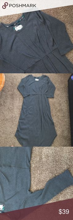 """Cute Anthro dress☺️💕 I gained some weight so some size L was working for me but I think this dress is cut generously because it is too big on me.  This piece might work well for XL as well.  3/4 sleeves, maybe lil longer for our friends with shorter arms☺️.  Super cute and comfy😍🦋It is brand new with out the tag.  I'm 5'3"""" and it almost hit my ankle.  Please enjoy☺️💕💕 Anthropologie Dresses Midi"""