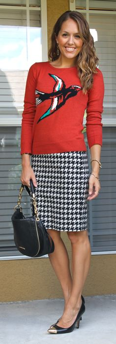 This pairing of a graphic sweater and a knee-length houndstooth skirt is such a fun #FallFashion!