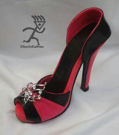 Shoe from gumpaste