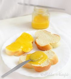 Lemon Curd - easy recipe for velvety, zingy and zesty spread, done in less then 10 minutes - from kitchennostalgia.com