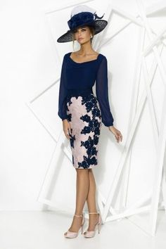 Consigue el vestido Privée 7900 en Cabotine. Todo en las últimas tendencias y los mejores diseños.