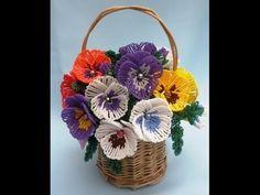 Красивый букет из бисера.Beautiful bouquet of beads
