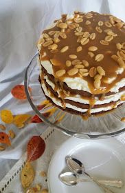 Roquefort mini cakes, smoked walnuts and bacon - Clean Eating Snacks Nake Cake, Recipe For Teens, Savoury Cake, Cake Mold, Mini Cakes, Cake Pans, Clean Eating Snacks, Bacon, Easy Meals