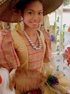 Filipiniana inspired by Ilocanos Amazon Girl, Philippine Women, Philippines Culture, Filipino Culture, Asian History, Traditional Dresses, Asian Woman, New Fashion, Beautiful Women