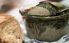Paté, svampemousse og portvinsgelé på sylteglas