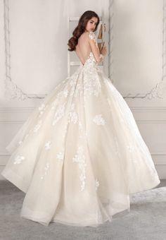 fc3a832e233c Romantic Wedding Colors, Bridal Stores, Bridal Wedding Dresses, Wedding  Dress Styles, Wedding