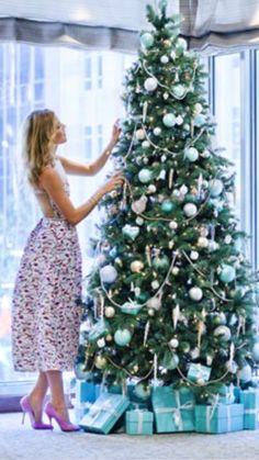A brilliant idea of decorating a Christmas tree.. https://ornamagic.com/shop/ornamagic-storage-case/