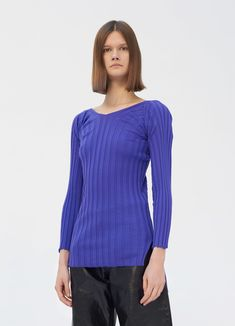V-neck sweater in merino wide ribs Ribbed Top, Ribs, Knitwear, Ready To Wear, United States, V Neck, Knitting, Store, Tricot