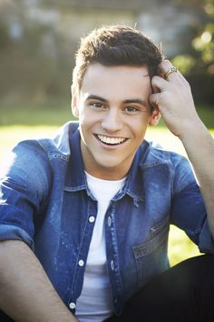 tom daley 2014 calendar How is this man NOT attractive?