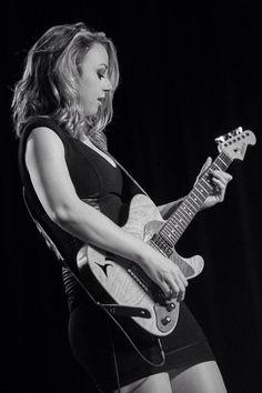 Rocker Girl, Rocker Chick, Rock Roll, Women Of Rock, Guitar Girl, Female Guitarist, Women In Music, Rock Legends, Popular Music