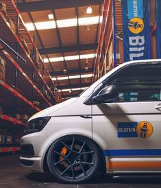 Bilstein - A VW with added attitude Vw Transporter Van, Vw T5, Van Signage, Vw Caravelle, Van Wrap, Vw Camper, Vw Beetles, Car Manufacturers, Custom Cars
