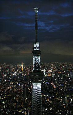 <東京スカイツリー>大空襲の犠牲者を慰霊 白色LED点灯|  あ、これ慰霊だったんだ。