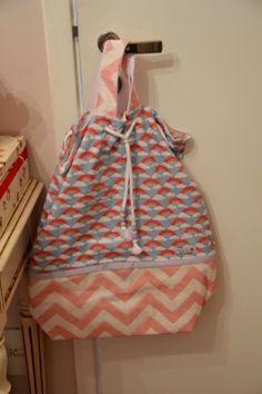 Saco de roupas sujas - Novo quartinho da Clara | Mamãe Plugada