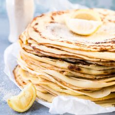 Learn how to make pancakes with this basic pancake recipe PLUS 4 easy pancake recipes that take the humble pancake from drab to fab! How To Make Pancakes, Pancakes Easy, Breakfast Pancakes, South African Recipes, Perfect Food, Dessert Recipes, Pancake Recipes, Desserts, Easy Meals