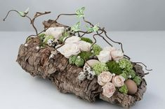 Corteccia Corteccia – Keep up with the times. Art Floral, Deco Floral, Floral Design, Easter Flowers, Spring Flowers, Orchid Flower Arrangements, How To Preserve Flowers, Nature Decor, Deco Table