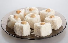 Vegan mini coconut cheesecakes. What else do we have to say?