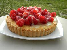 Fresh lemon tart with Lemoncello marinated raspberries