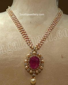 Jewelry OFF! Pearl necklace with diamond ruby pendant photo Pearl Necklace Designs, Jewelry Design Earrings, Gold Earrings Designs, Gold Jewellery Design, Pearl And Diamond Necklace, Gold Necklace, Indian Wedding Jewelry, Bridal Jewelry, Pearl Jewelry