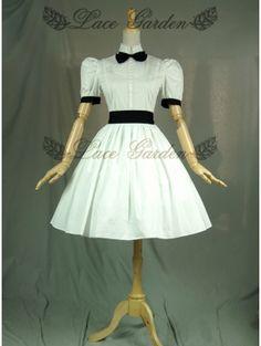 Image issue du site Web http://www.devilnight.co.uk/1032-3803-home/white-short-sleeves-bow-classic-lolita-dress.jpg