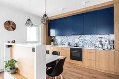 adela parvu's idea Kitchen Dinning, Living Room Kitchen, Kitchen Decor, Kitchen Ideas, Kitchen Interior, Room Interior, Kitchen Design, Small Apartment Design, Table