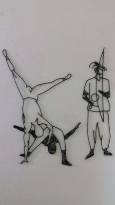Jogando Capoeira e Tocando Berimbau