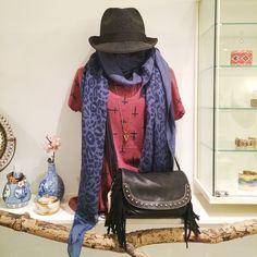 Lekkere warme herfst en wintersjaals v.a. ½ 16,50 #beadies #sjaals #winter #herfst #panter #tijger #tiedye #print #animal #amsterdam #utrecht #sieraden #accessories #boho #tribal #nomad