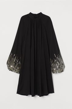 Abaya Fashion, Muslim Fashion, Modest Fashion, Fashion Dresses, Stylish Dress Designs, Stylish Dresses, Indian Designer Outfits, Designer Dresses, Party Wear Dresses