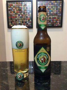 Cerveja Alpirsbacher Klosterbräu Pils, estilo German Pilsner, produzida por Alpirsbacher Klosterbräu, Alemanha. 4.9% ABV de álcool.